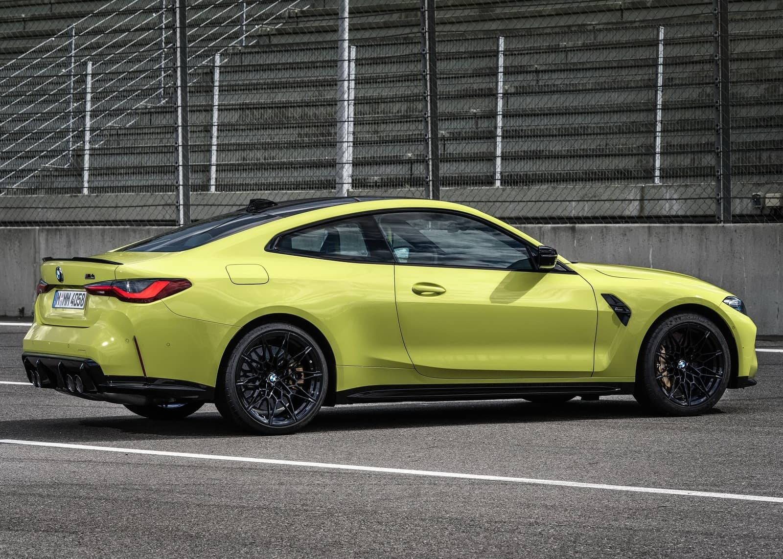 BMW-M4_Coupe_Competition-2021-1600-18