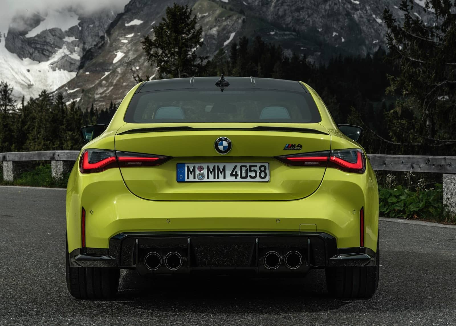 BMW-M4_Coupe_Competition-2021-1600-2b
