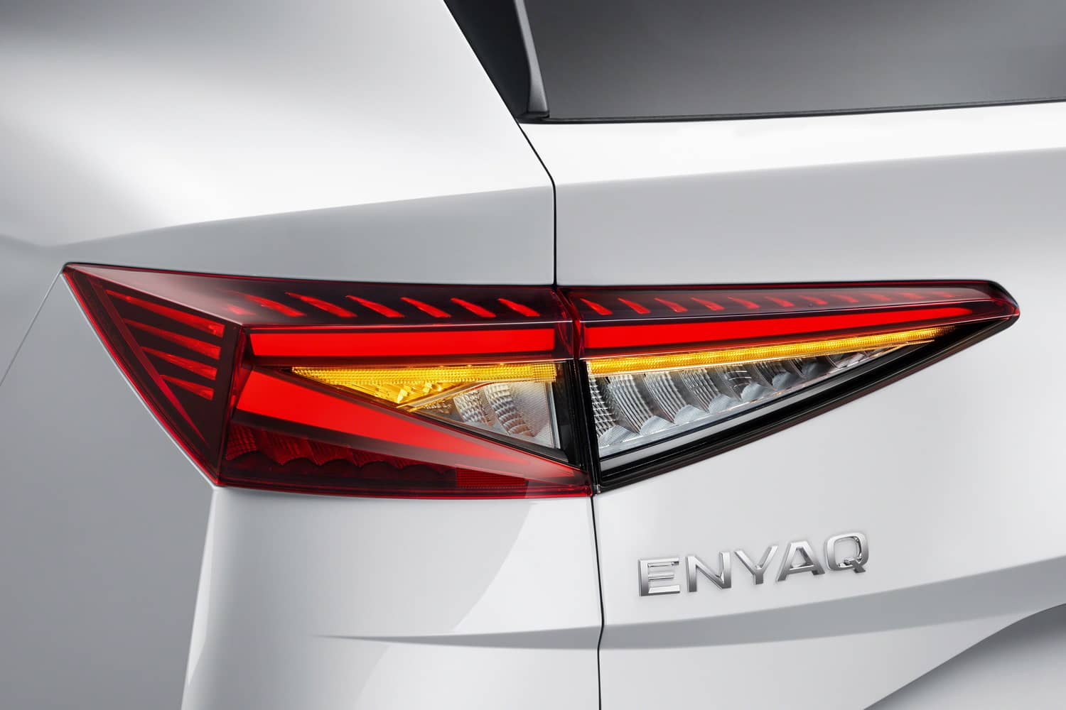 Enyaq_rear_light_03_resize