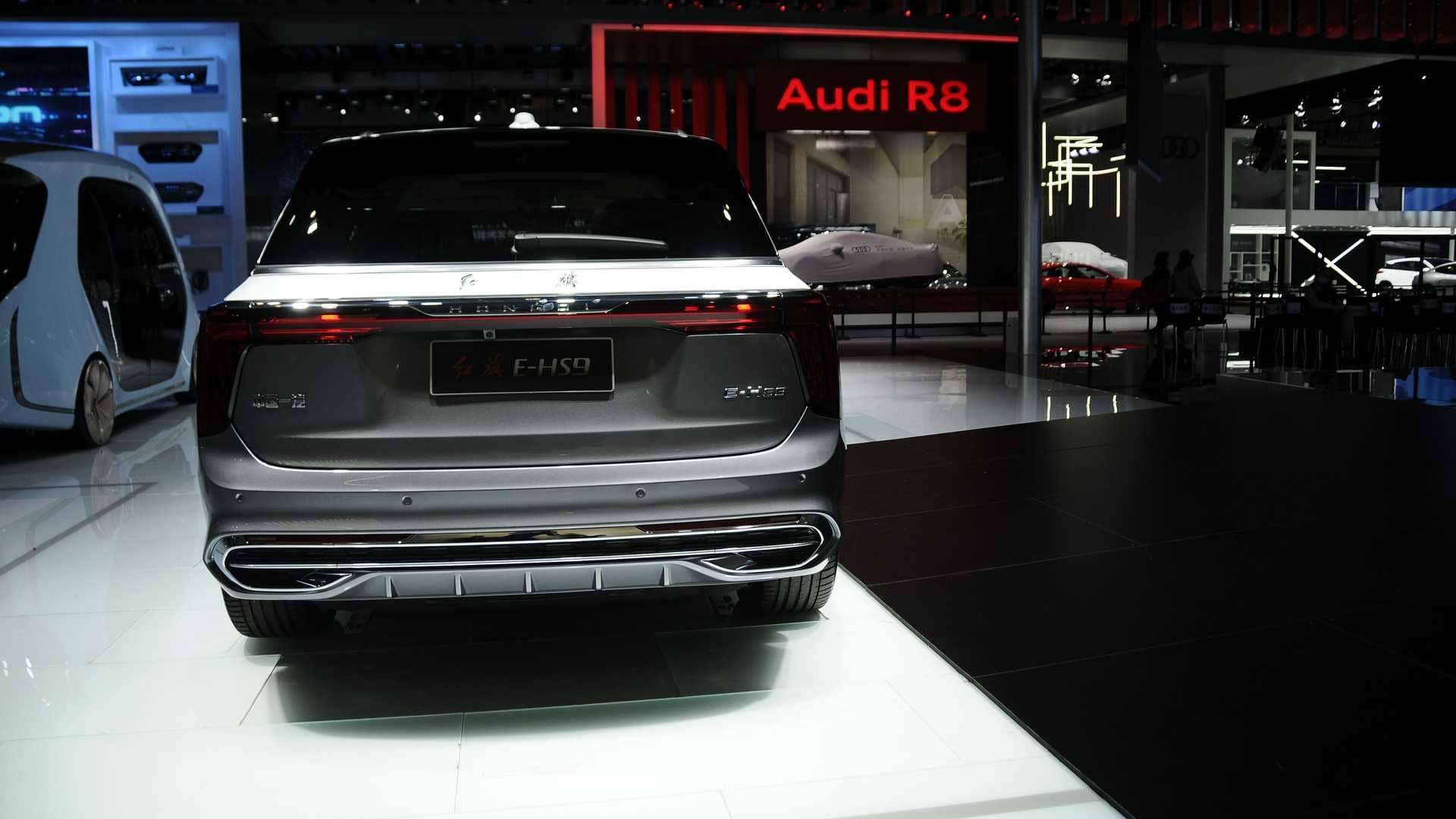 hongqi-e-hs9-dev-suv-rear