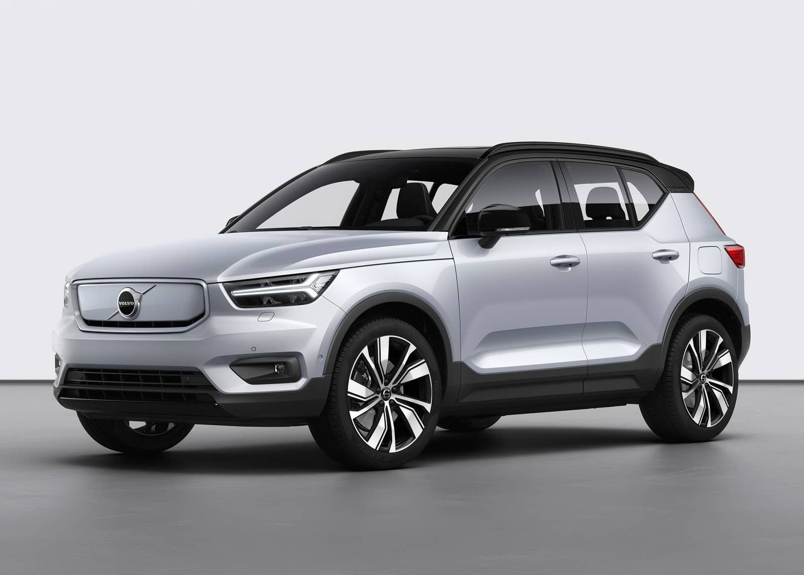 Volvo-XC40_Recharge-2020-1600-0a