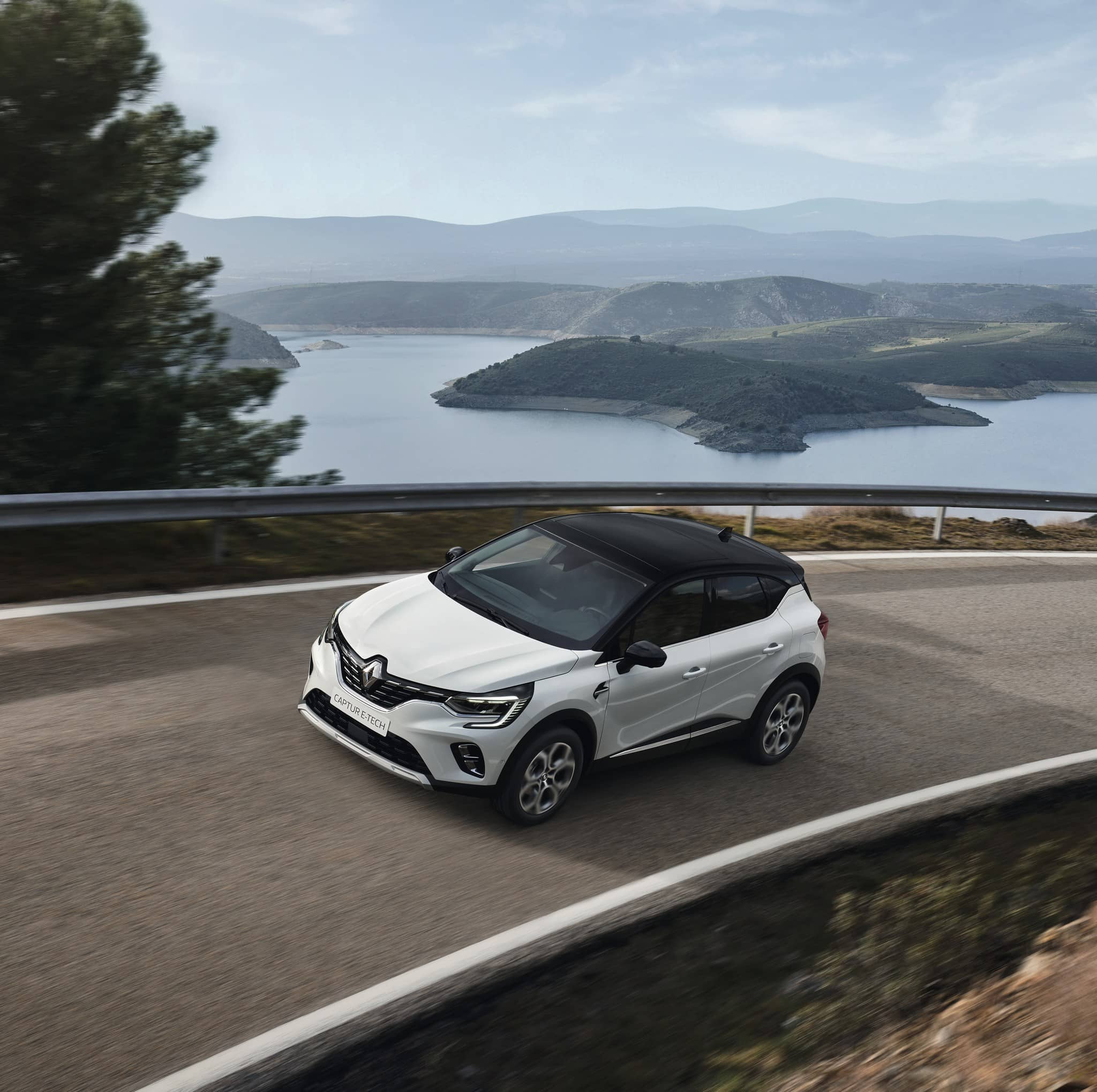 mini-2020 – New Renault CAPTUR E-TECH Plug-in (2)