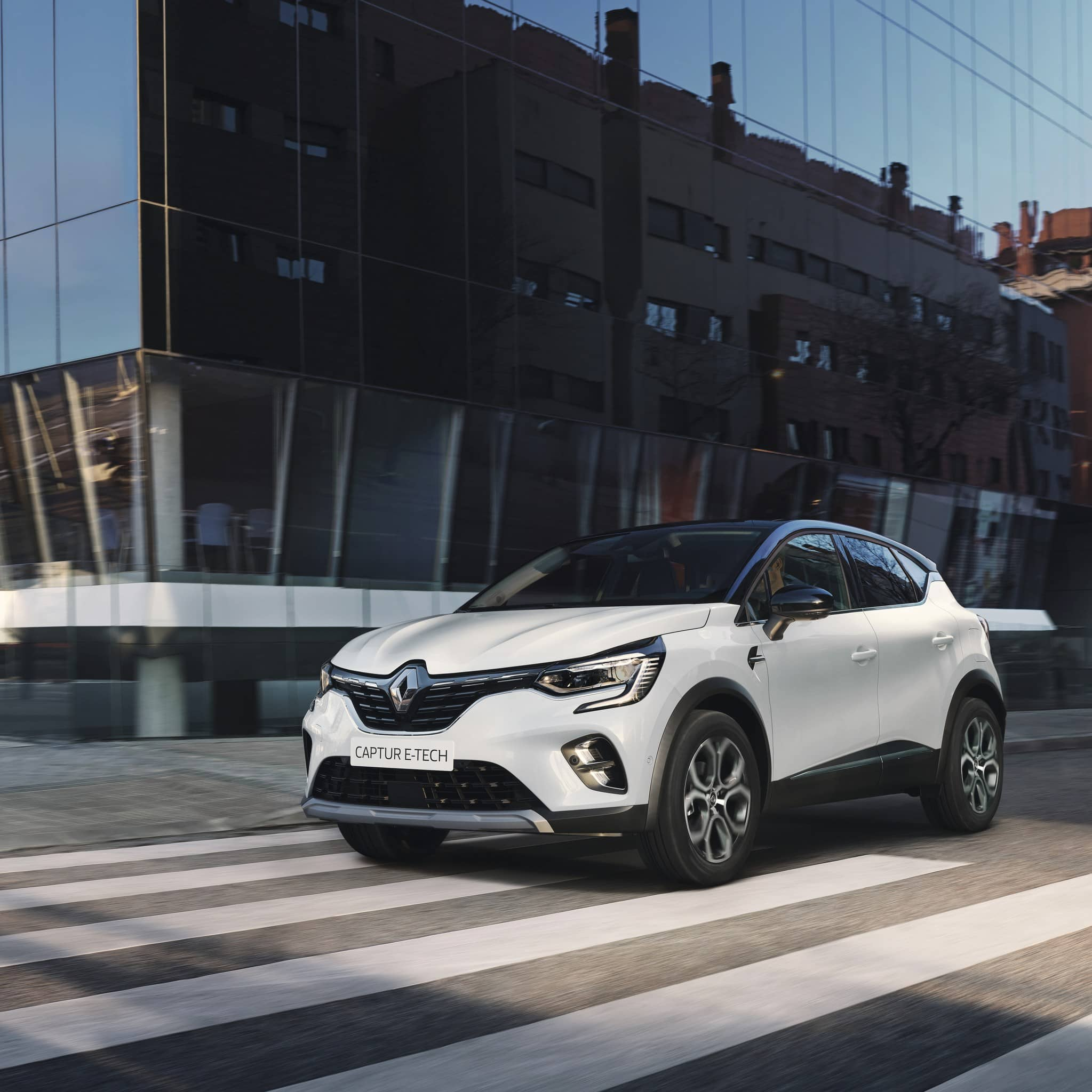 mini-2020 – New Renault CAPTUR E-TECH Plug-in (3)